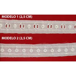Entredos tira bordada beige (2,5 cm y 2,5 cm)